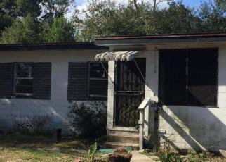 Sheriff Sale in Jacksonville 32209 STRAWFLOWER PL - Property ID: 70174100801