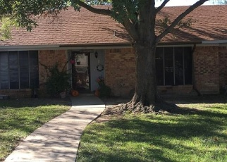 Sheriff Sale in Sulphur Springs 75482 W OAKS CIR - Property ID: 70176066865
