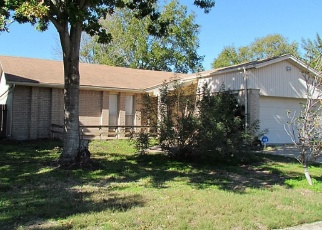 Sheriff Sale in Baytown 77521 MEADOWOOD CIR - Property ID: 70176193880