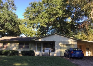 Sheriff Sale in Tyler 75701 GLENBROOK DR - Property ID: 70179160260