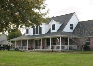 Sheriff Sale in Sealy 77474 PECAN GROVE RD - Property ID: 70180257384