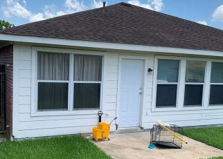 Sheriff Sale in Houston 77048 HONEYVINE DR - Property ID: 70186550192