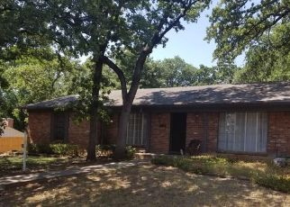 Sheriff Sale in Fort Worth 76112 MADEIRA DR - Property ID: 70191975832