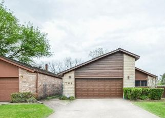 Sheriff Sale in Houston 77088 GREEN LAWN DR - Property ID: 70193496920