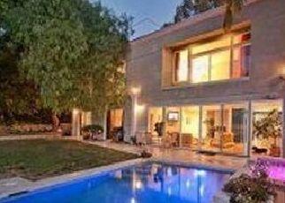 Sheriff Sale in Los Angeles 90068 OAKLEY DR - Property ID: 70194904556