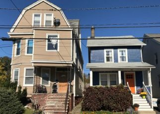 Sheriff Sale in Maplewood 07040 HILTON AVE - Property ID: 70194939596