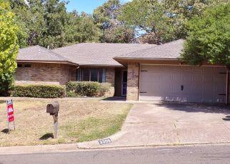 Sheriff Sale in Arlington 76012 OAKWOOD LN - Property ID: 70195421365