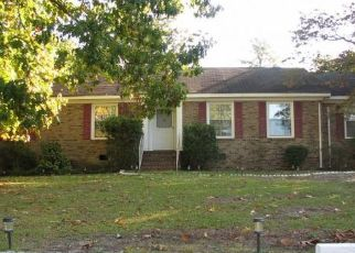 Sheriff Sale in Fayetteville 28303 LAKE VALLEY DR - Property ID: 70197676492