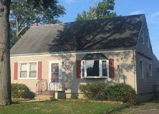 Sheriff Sale in Keansburg 07734 PINEWOOD AVE - Property ID: 70200427407