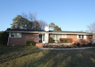 Sheriff Sale in Portsmouth 23703 SWEETBRIAR CIR - Property ID: 70203066197