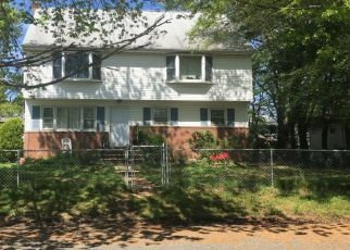 Sheriff Sale in Hazlet 07730 WILLOW ST - Property ID: 70203369277