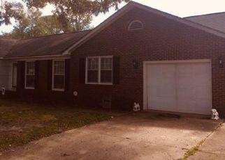 Sheriff Sale in Fayetteville 28303 HALLMARK RD - Property ID: 70203485337