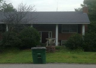 Sheriff Sale in Christiansburg 24073 READING RD - Property ID: 70205795209