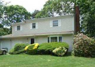 Sheriff Sale in Central Islip 11722 2ND PL - Property ID: 70209815826