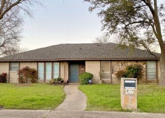 Sheriff Sale in Duncanville 75116 PLATEAU DR - Property ID: 70210280508