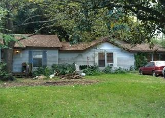 Sheriff Sale in Channelview 77530 WOODLAND ST - Property ID: 70211976342