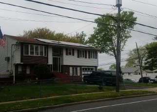Sheriff Sale in Brentwood 11717 BROADWAY - Property ID: 70212475185