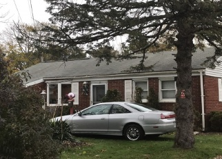 Sheriff Sale in Bay Shore 11706 N THOMPSON DR - Property ID: 70212490977