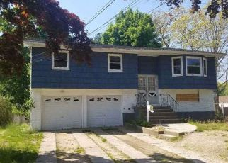 Sheriff Sale in Brentwood 11717 MCKINLEY ST - Property ID: 70212514167