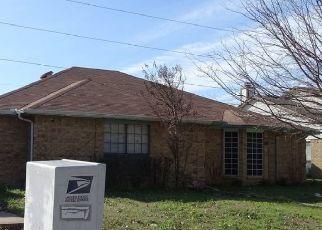 Sheriff Sale in Grand Prairie 75052 GREGORY LN - Property ID: 70213373481