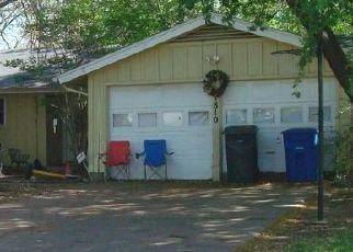 Sheriff Sale in Carrollton 75006 GLENGARRY DR - Property ID: 70214953246