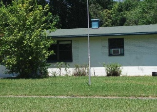 Sheriff Sale in Jacksonville 32244 DELISLE DR - Property ID: 70215195897