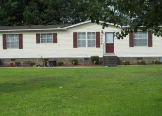 Sheriff Sale in Hope Mills 28348 ACKLEY LN - Property ID: 70215924233