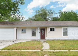 Sheriff Sale in San Antonio 78228 GRIGGS AVE - Property ID: 70217438309