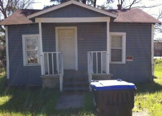 Sheriff Sale in Longview 75602 LORIN DR - Property ID: 70219989514