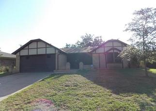 Sheriff Sale in Arlington 76017 ROBINWOOD DR - Property ID: 70220002207