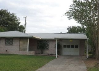 Sheriff Sale in San Antonio 78218 TROPICAL DR - Property ID: 70220992481