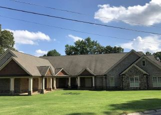 Sheriff Sale in Kennesaw 30144 WIMBLEDON DR NW - Property ID: 70223030369