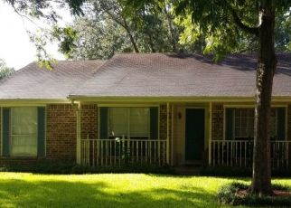 Sheriff Sale in Friendswood 77546 BAYOU OAK DR - Property ID: 70224102986