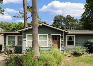 Sheriff Sale in Houston 77018 WOODCREST DR - Property ID: 70224750737