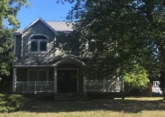 Sheriff Sale in East Islip 11730 WOODLAND DR - Property ID: 70227667639