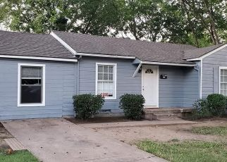 Sheriff Sale in Dallas 75217 GROVECREST DR - Property ID: 70229581590