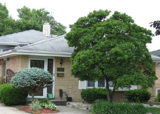 Short Sale in Alsip 60803 W 118TH ST - Property ID: 6257289985