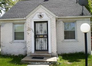 Short Sale in Highland Park 48203 W 8 MILE RD - Property ID: 6310423227