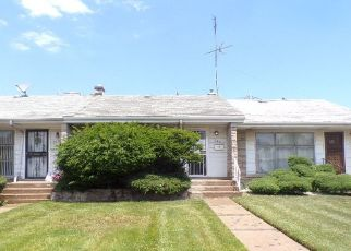 Short Sale in Chicago 60619 E 87TH ST - Property ID: 6315728405