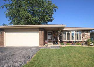 Short Sale in Oak Forest 60452 RIDGELAND AVE - Property ID: 6318417121