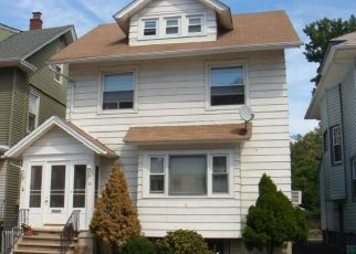 Short Sale in Elizabeth 07202 W END PL - Property ID: 6318827516
