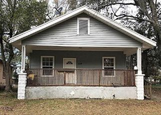Short Sale in Jacksonville 32206 E 12TH ST - Property ID: 6319917182