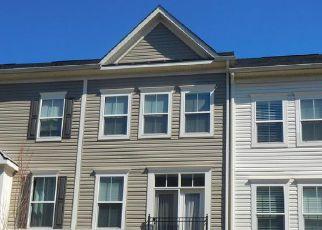 Short Sale in Stafford 22556 SHAMROCK DR - Property ID: 6320579406