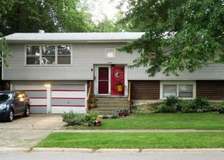 Short Sale in Chicago Heights 60411 PETERSON AVE - Property ID: 6323586985