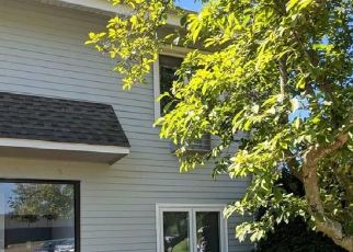 Short Sale in Branford 06405 FLORENCE RD - Property ID: 6323678960