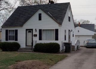 Short Sale in Columbus 43211 RENWOOD PL - Property ID: 6324165536