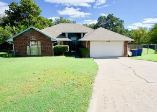 Short Sale in Choctaw 73020 NORTHWOOD CIR - Property ID: 6325221943