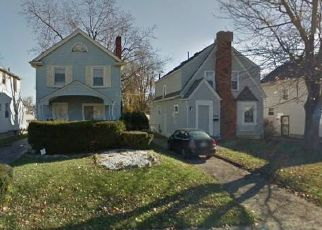 Short Sale in Columbus 43211 DRESDEN ST - Property ID: 6325240323