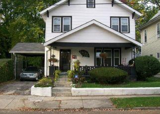 Short Sale in Columbus 43219 RIDGEWAY AVE - Property ID: 6325259152