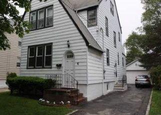 Short Sale in Valley Stream 11581 GORDON RD - Property ID: 6325425140